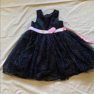 Little girl party dress size 8, gently used.